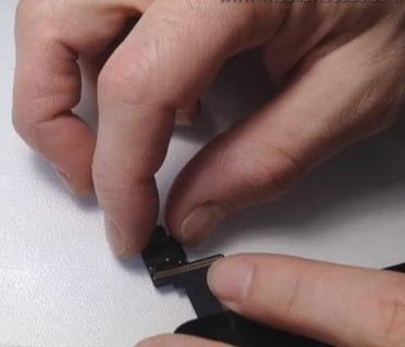 iPad Mini Digitizer IC Connector Soldering -2